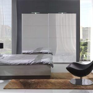 Dafne spálňa s zrkadlom